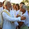 Sir-strikes-a-chord-with-an-energetic-senior-citizen-on-the-way,-Kamdod,-Haveri,-Karnataka)