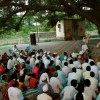 9.Idyllic–setting-for-Satsang,-under-a-Banyan-tree-and-next-to-the-temple,-Bhose,-Sangli,-Maharashtra