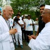 Sri M meets and interacts with Sri Anna Hazare at Ralegan Siddhi