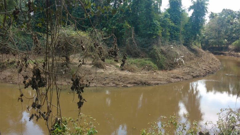River-Pampa,-after-flood-waters-receded