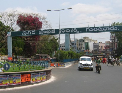 Sri-M-visits-Guntur