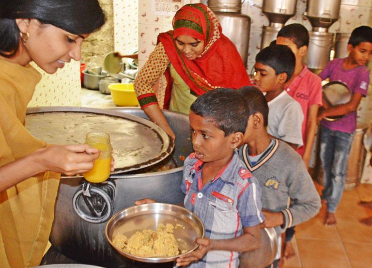 one-year-of-annadanam-seva-by-tsf-volunteers-bengaluru-10
