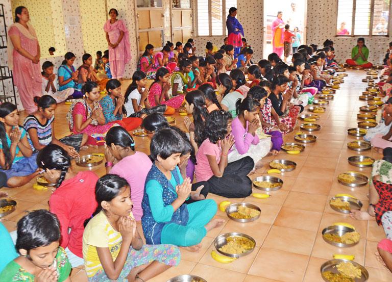one-year-of-annadanam-seva-by-tsf-volunteers-bengaluru-11