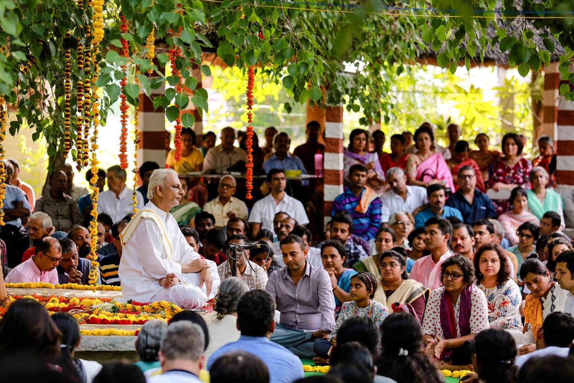 Guru-Purnima-2017---Sri-M-madanapalle-campus-1