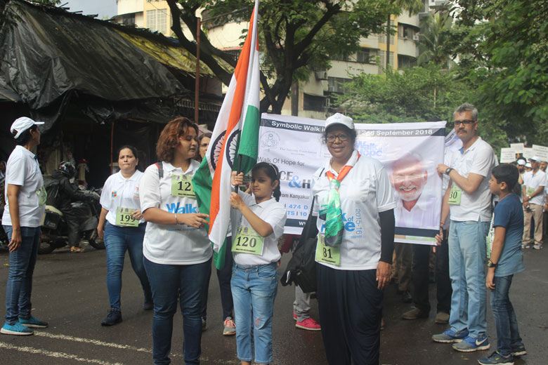 7.-Kudos-to-our-youngest-participant-bearing-the-National-Flag