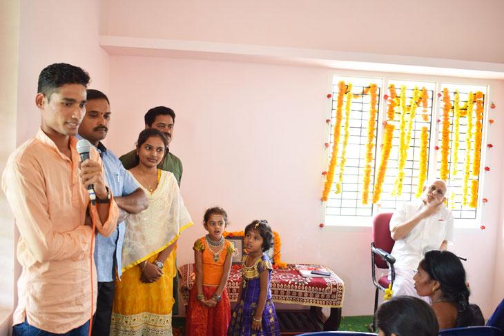 An-old-student-of-Satsang-Vidyalaya-sharing-his-experiences