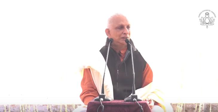 Sri-M-in-Varanasi-2018