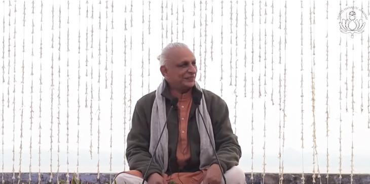 Sri-M-in-Varanasi-2019
