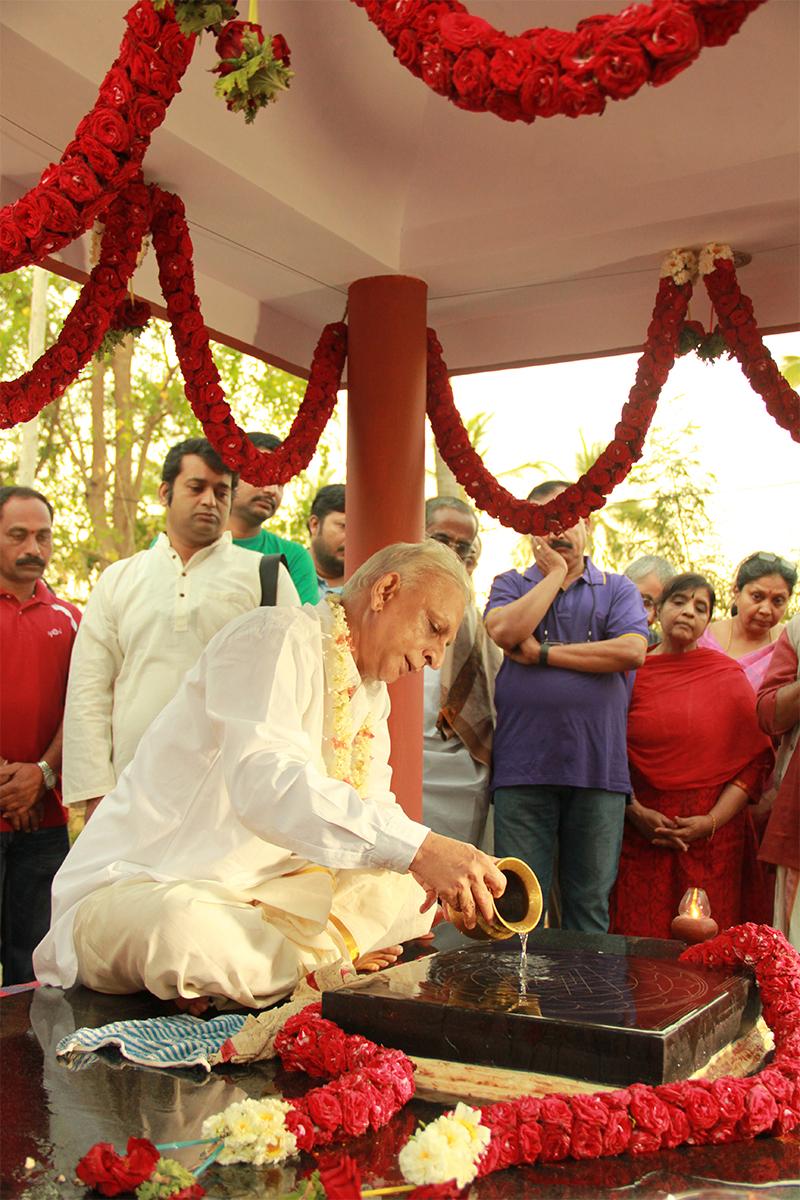 Sri-M-Devi-Worship